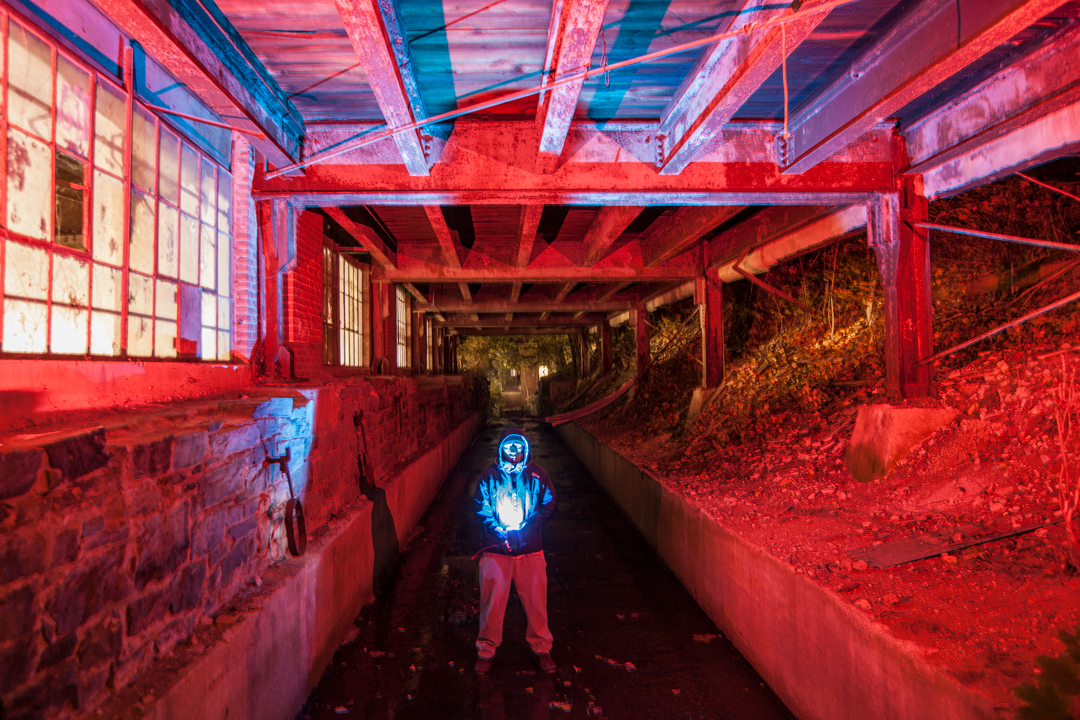baltimore-photography-no-face-blue-man-light-clipper-mill-creepy-joe-segre-01